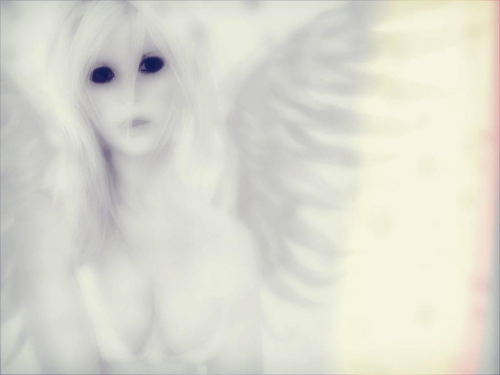 UN ANGELO DORATO